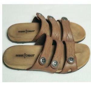 Minnetonka Ashbury Slide Sandal Brown 8